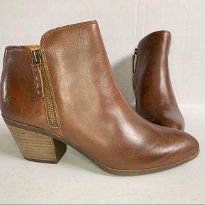 NWOT FRYE Judith Zip Up Leather Ankle Booties 7.5